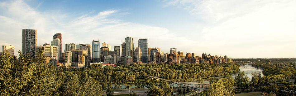 BROWN, DAVID P./WEBIMAGES: Calgary_City_Skyline_hiIII.jpg